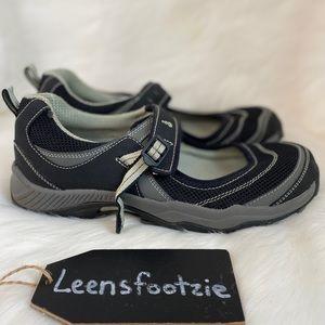 Ahnu Women's Kick Hiking Shoe